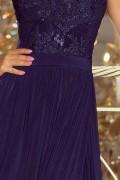 215-2 Dlhé tmavomodré plesové šaty s nariasenou širokou sukňou a čipkovým vrchom bez rukávov