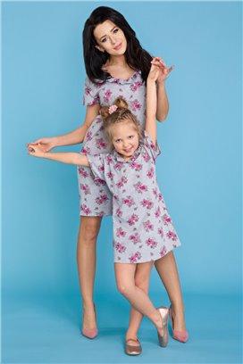 MMM17-2 Šedé kvietkované tričkové šaty s volánikom - mama