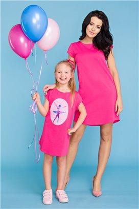 MMD21-1 Ružové tričkové šaty s motívom baletky - dcérka
