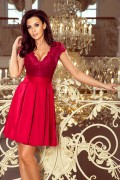 242-2 Krátke červené spoločenské šaty s čipkovaným vrchom s krátkymi rukávmi