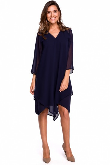 Krátke tmavomodré asymetrické šaty s 3/4 rukávom model 132589 se