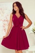 274-1 Krátke vínové šaty s kruhovou sukňou a volánikom