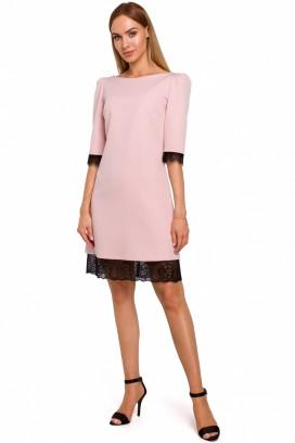 Krátke ružové púzdrové šaty s čipkou model 138827 ME
