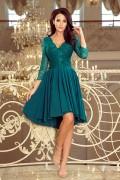 210-8 Krátke zelené spoločenské šaty s asymetrickou nariasenou sukňou a čipkovaným vrchom