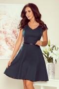 254-1 Krátke tmavozelené šaty s čipkovými rukávmi
